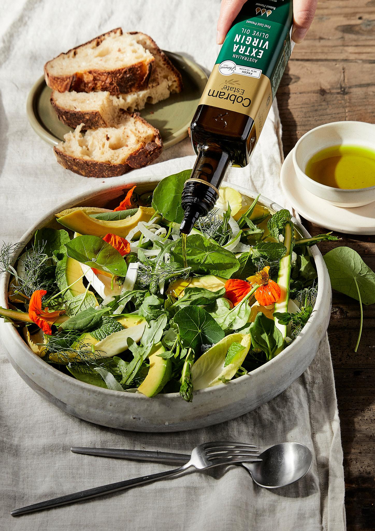 Cobram Estate Garden Salad Oil pour