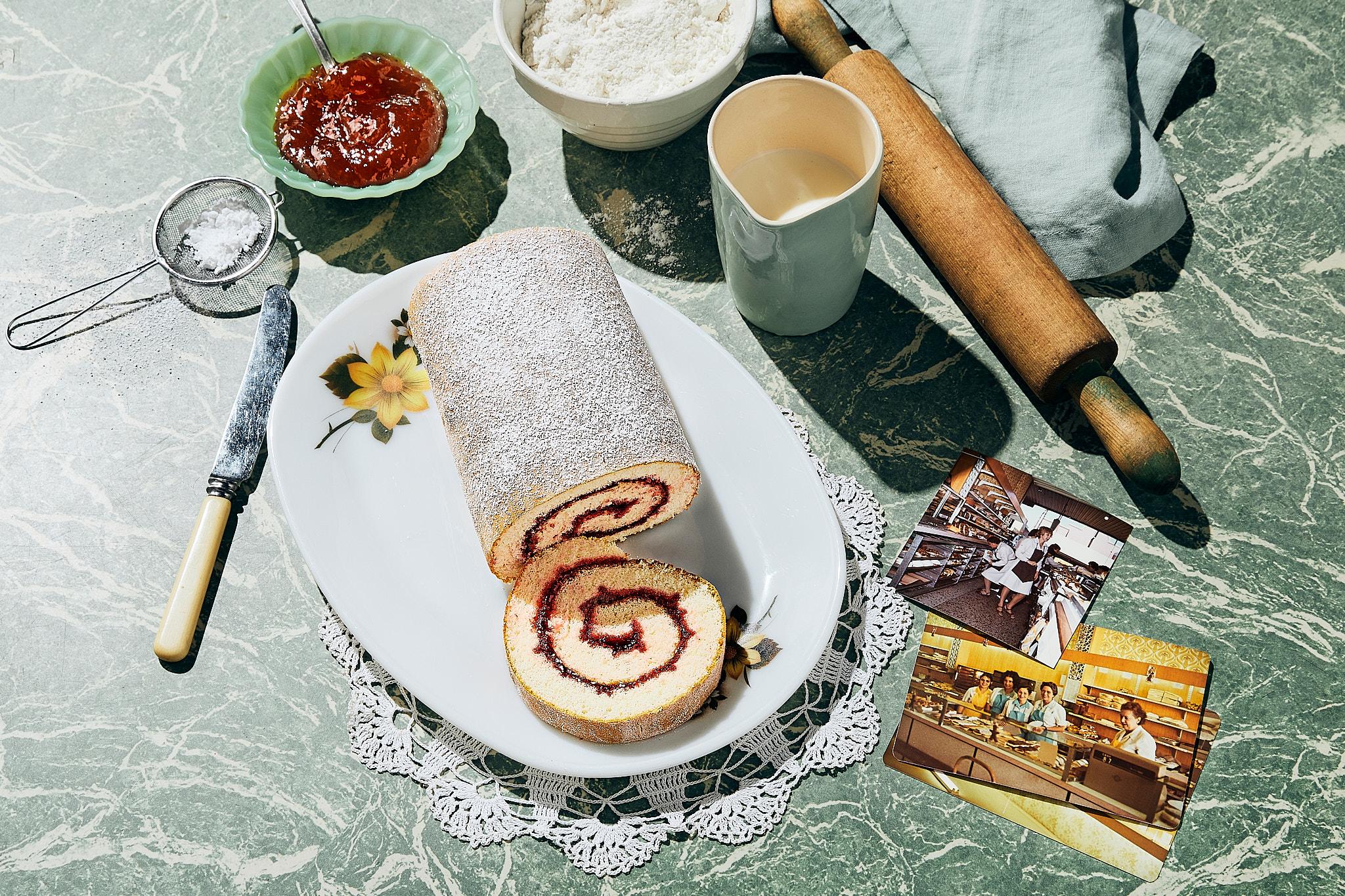 Ferguson Plarre Swiss Jam Roll Tea Time 60's